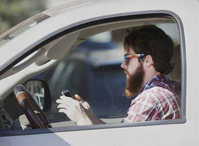 Almost all Canadians think texting and driving is 'socially unacceptable': poll